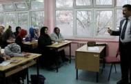 Afgan mülteciler Türkçe öğreniyor