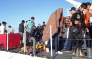 Botları patlayan 42 göçmen, son anda kurtarıldı