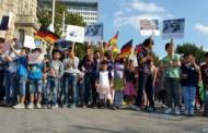 معترضان در آلمان: افغانستان امن نیست، اخراج نکنید